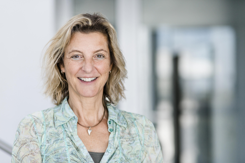 Portrait Birgit Lenz.jpg